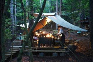 森のレストランの写真・画像素材[1030475]