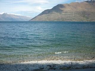 グラデーションの湖の写真・画像素材[3940891]
