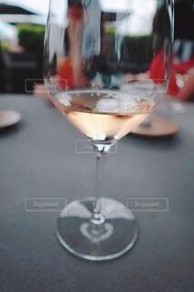 ワインと共にランチの写真・画像素材[3942356]