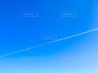 飛行機雲の写真・画像素材[4388228]
