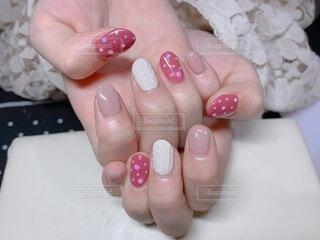 ピンクの冬ネイルの写真・画像素材[3972868]