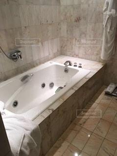 バスルームの写真・画像素材[3963081]