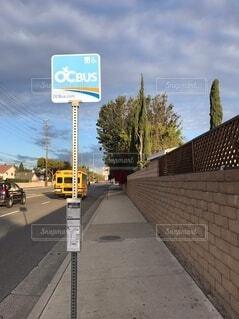 ロサンゼルスのバス停の写真・画像素材[3965045]
