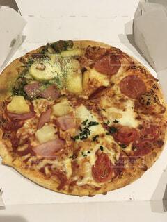 デリバリーピザの写真・画像素材[4258082]