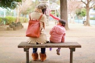 公園で女子会の写真・画像素材[4063561]