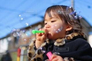 シャボン玉の世界の写真・画像素材[4063562]
