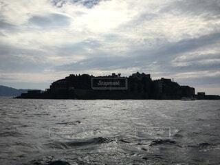 軍艦島の影の写真・画像素材[3983859]