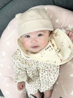 帽子をかぶった赤ちゃんの写真・画像素材[4264193]