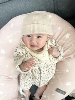 帽子をかぶった赤ちゃんの写真・画像素材[4264192]