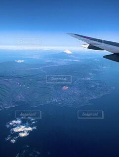 旅客機から見える富士山の写真・画像素材[4009366]