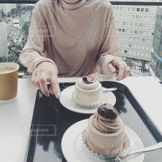 憧れのケーキは嬉しい過ぎて美味し過ぎたの写真・画像素材[3998049]