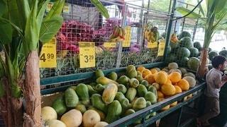 田舎のフルーツマーケットの写真・画像素材[4008321]