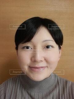 女性の自撮りの写真・画像素材[4151649]
