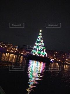 船からのツリーの写真・画像素材[4121231]