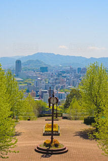 時計台の奥には横川の街の写真・画像素材[4347360]