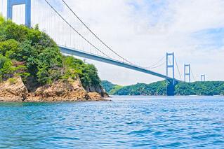 海上から見た来島海峡大橋の写真・画像素材[4675755]