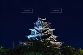 夜の広島城の写真・画像素材[4783097]
