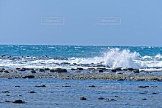 石見畳ヶ浦の白波の写真・画像素材[4830587]