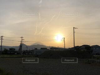 夕日と富士山の写真・画像素材[4391980]