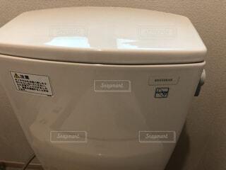 トイレのタンクの写真・画像素材[4936073]