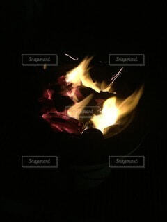 焚き火の写真・画像素材[4022377]