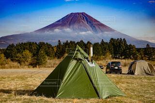 富士山のふもとでキャンプの写真・画像素材[4031543]