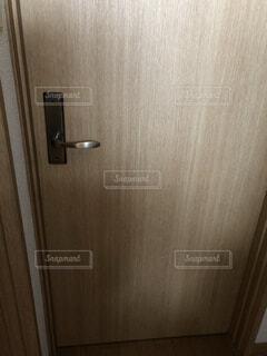 部屋のドアの写真・画像素材[4155497]