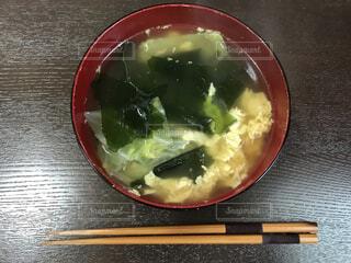 玉子のシンプル中華スープの写真・画像素材[4561101]