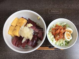 カツオ丼の写真・画像素材[4839157]