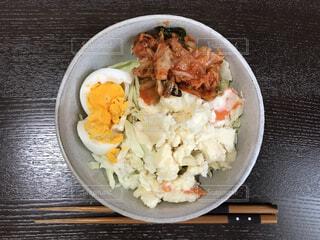 キムチポテトサラダの写真・画像素材[4863306]
