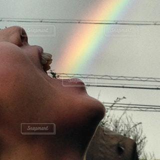 幸せの虹色光線の写真・画像素材[536472]