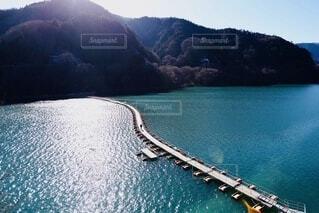 広大な美しい湖の写真・画像素材[4056922]