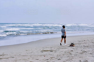 Beach walkingの写真・画像素材[4075740]