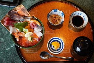 みてるだけでも食べたくなる海鮮丼 海ずくしの写真・画像素材[4401179]