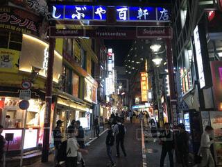 渋谷、百軒店、夜の風景の写真・画像素材[4062203]