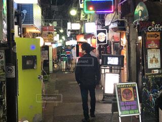 新宿、ゴールデン街、飲み屋街の風景の写真・画像素材[4062174]