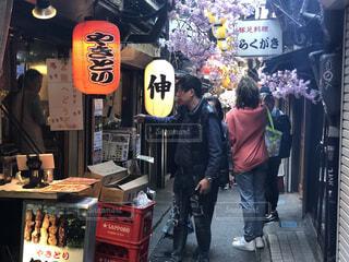 新宿、思い出横丁、飲み物街の風景の写真・画像素材[4062232]