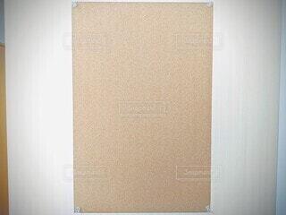 壁に張ったコルクボードの写真・画像素材[4257059]