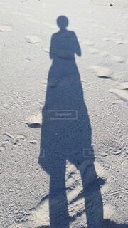 砂浜と影の写真・画像素材[4073914]