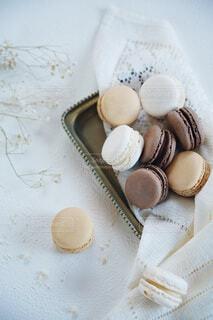 可愛いマカロン3種類 チョコ バニラ モカの写真・画像素材[4082056]