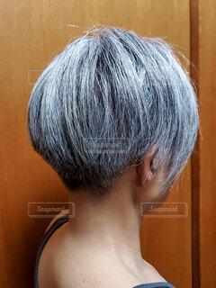 白髪の女性の写真・画像素材[4089668]