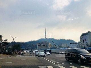 駐車場に駐車している車の写真・画像素材[4088914]