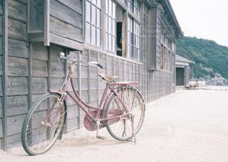 学校と自転車の写真・画像素材[4130383]