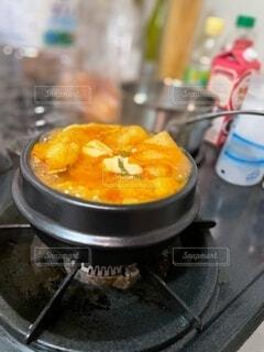 食べ物が入った鍋の写真・画像素材[4090527]