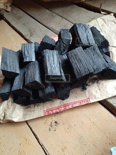 カット炭の写真・画像素材[4091232]