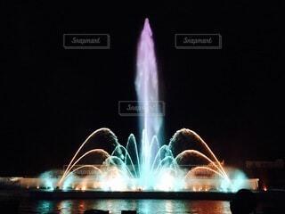 噴水ライトアップの写真・画像素材[4094654]