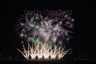 空に花火の写真・画像素材[716822]