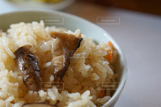 皿の上のご飯の写真・画像素材[898121]