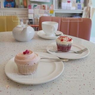 カラフルでかわいいカップケーキの写真・画像素材[4124345]