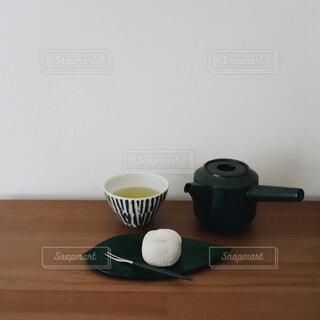 緑茶と和菓子でおうちカフェの写真・画像素材[4124347]